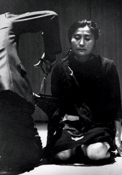 Cut Piece, 1964 - Yoko Ono