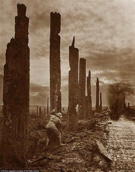 Sentinal Stations, 1917 - Frank Hurley