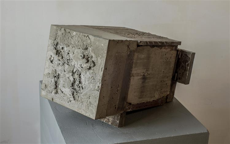 'Persist' - abstract sculpture by Carlos Granger - concrete & steel, 1996 - Carlos Granger
