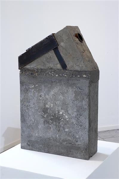 'However' - abstract sculpture by Carlos Granger - concrete, 2005 - 2006 - Carlos Granger