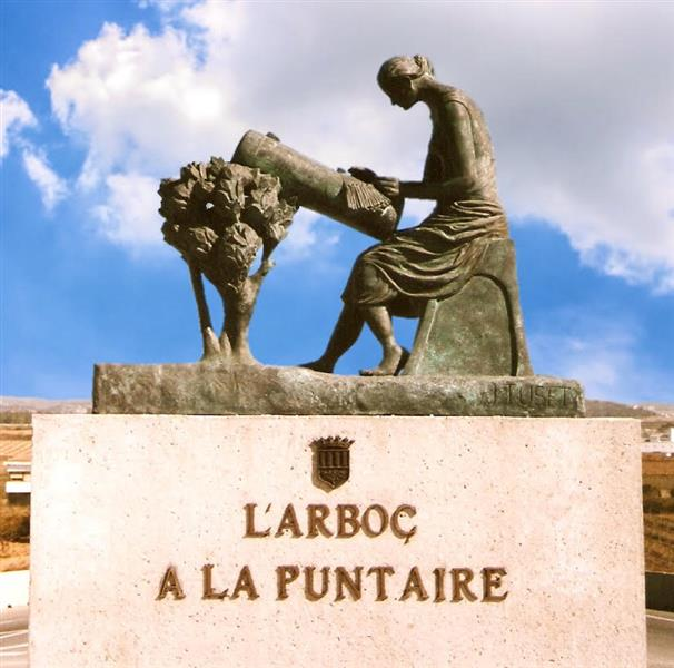 Monument to the Lacemaker of l'Arboç., 2005 - Joan Tuset Suau