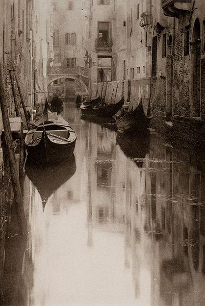 Venetian Canal - Alfred Stieglitz