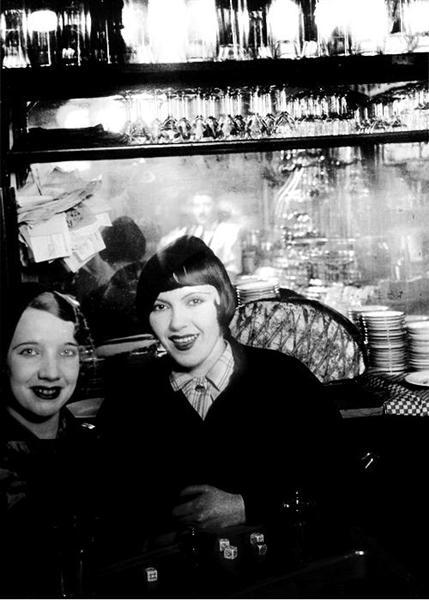 Girls in Paris, 1932 - Brassai