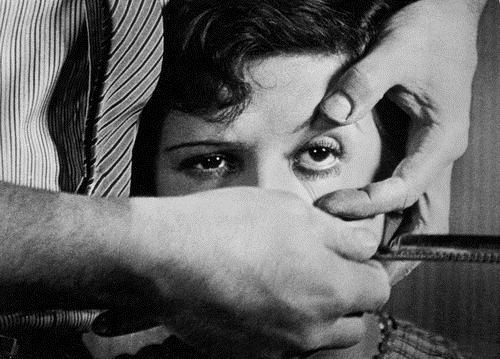 Un Chien Andalou (film still) - Salvador Dali